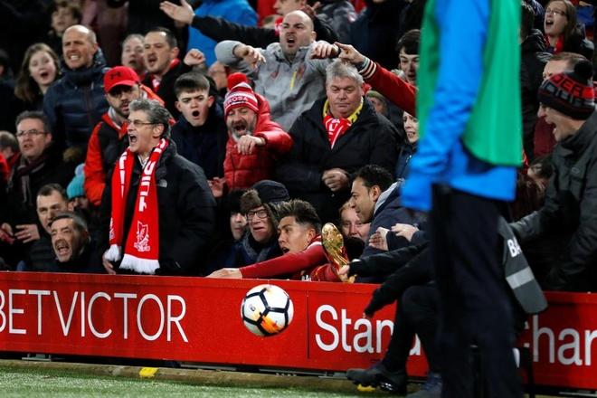 Sao Liverpool bi doi thu day vang khoi san hinh anh 3