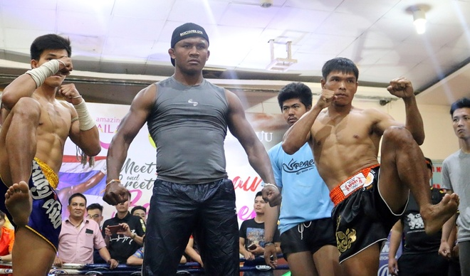 'Thanh Muay Thai' Buakaw: Tran thua Yi Long day cho toi nhieu dieu hinh anh 2