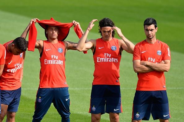 Dan sao PSG lai dau da noi bo tren mat bao hinh anh