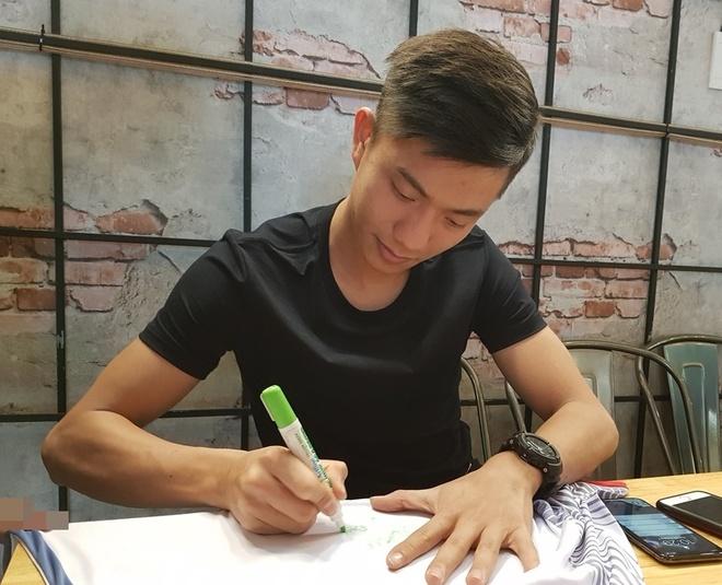 Phan Van Duc: 'Toan bo tien thuong se gui cho me' hinh anh