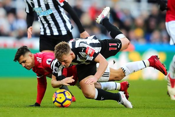 Hau ve Newcastle che MU kem hon ca Arsenal va Man City hinh anh 2
