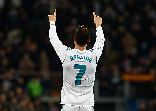 Xavi: That te khi Real Madrid chang lam gi cung thang hinh anh 2
