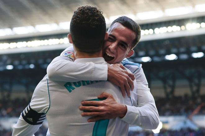 Giai phap 1 trieu USD cuu van cho Ronaldo va dong doi hinh anh