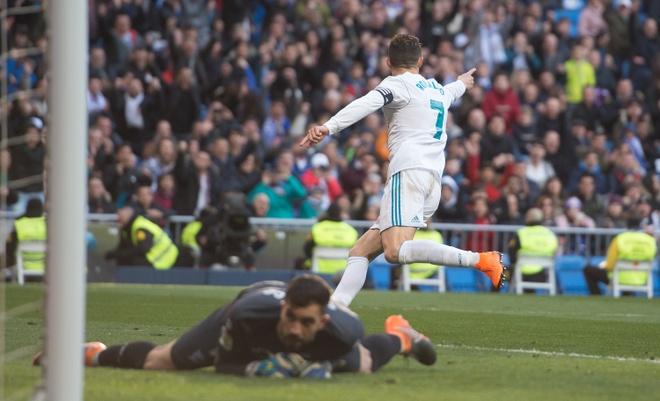 Nghich ly Ronaldo tuoi 33 van co gia tri rat cao voi Real hinh anh 2
