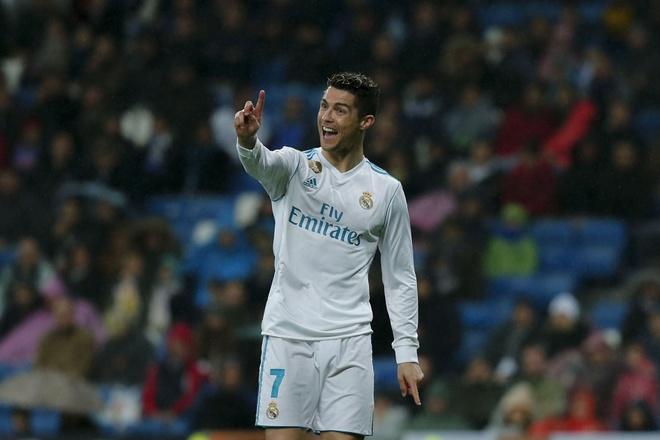 Ronaldo bung no san sang ban sap phao dai Paris hinh anh