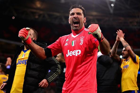 Ngay U40 Juventus knock-out cac chang trai tre Tottenham hinh anh