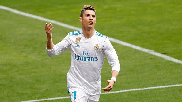 Tuoi 33, gia tri Ronaldo cao hon ca 9 nam truoc hinh anh 2