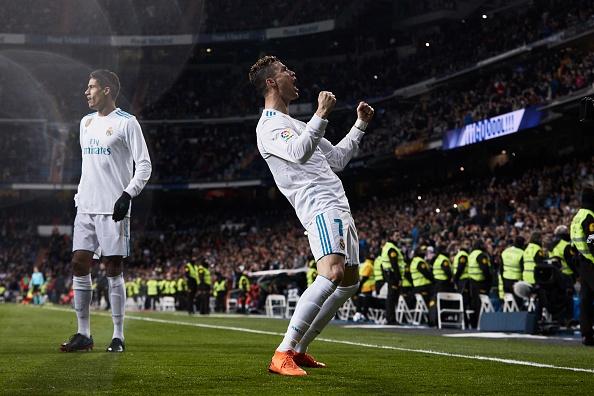 Ronaldo noi dung, the gioi khong co ai nhu anh hinh anh 1