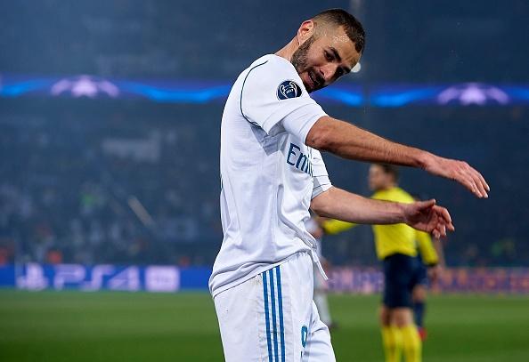 Karim Benzema giua lan ranh bac nhuoc va ky la hinh anh