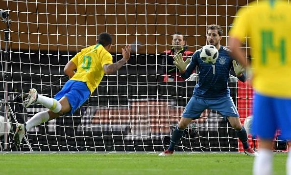 Doi Brazil da thuc tinh sau tham hoa Belo Horizonte hinh anh 2