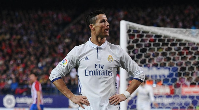 Derby Madrid: Atletico khiep so Ronaldo hinh anh