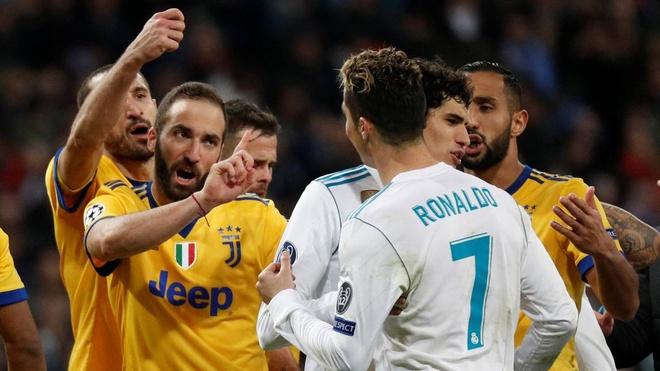 Qua penalty cua Real Madrid khien UEFA phai thay doi hinh anh