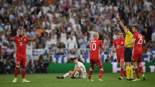 Qua penalty cua Real Madrid khien UEFA phai thay doi hinh anh 3