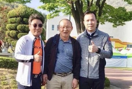 HLV Park Hang-seo tiep lua Hoang Xuan Vinh tai Han Quoc hinh anh