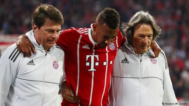 Van rui chua chiu buong tha Bayern Munich hinh anh