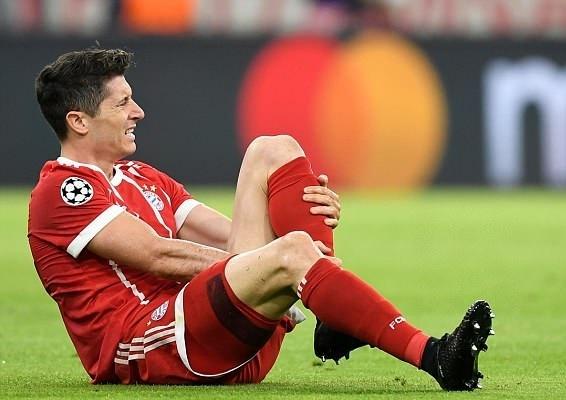 Nhin Lewandowski de thay Ronaldo la tien dao so 1 luc nay hinh anh