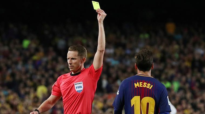 Nghi van Messi chui trong tai la 'do rac ruoi' hinh anh