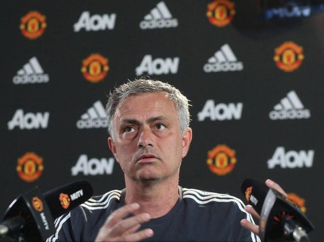 Mourinho che cau thu yeu duoi, khong dang khoac ao MU hinh anh 1