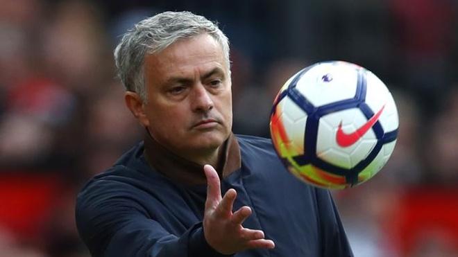 Mourinho che cau thu yeu duoi, khong dang khoac ao MU hinh anh