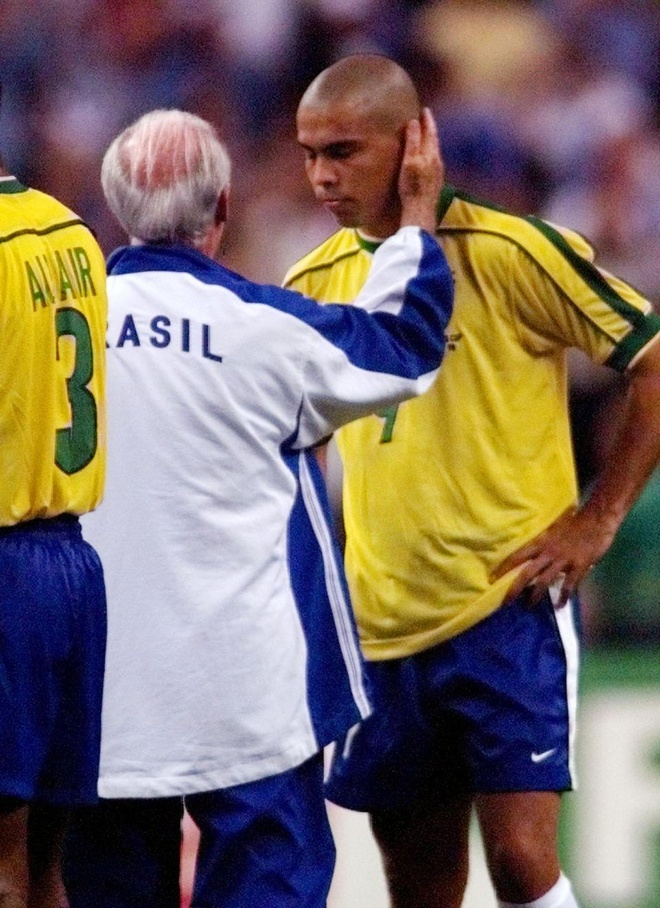 Platini: 'Dung thu doan de Phap gap Brazil o chung ket World Cup 1998' hinh anh 2