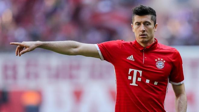 Chan sut Robert Lewandowski doi roi Bayern Munich hinh anh