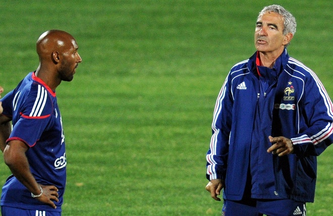 HLV Domenech tiet lo vu cai va voi Anelka o World Cup 2010 hinh anh