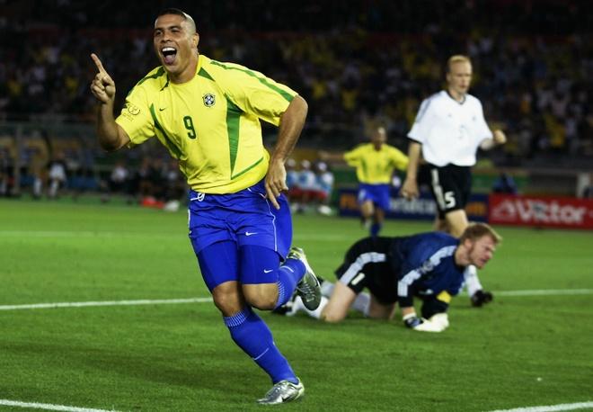 Cu dup cua Ronaldo 'beo' nhan chim tuyen Duc nam 2002 hinh anh