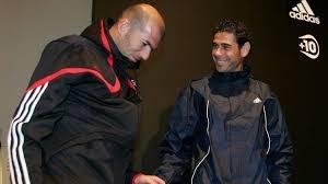 HLV Fernando Hierro co mang chan menh thien tu nhu Zidane? hinh anh