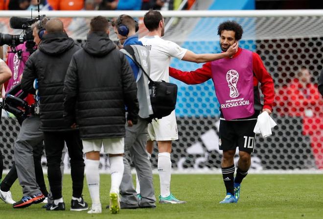 Mohamed Salah du bi con duoc khen kha hon Luis Suarez anh 2