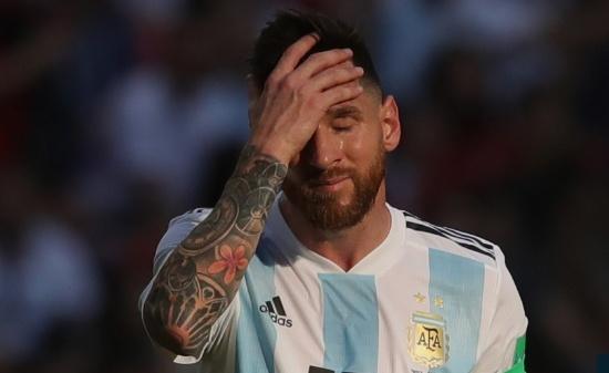 Fan cua Messi treo co tu van vi Argentina thua tran hinh anh