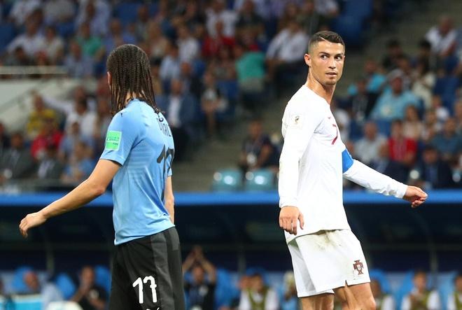 Uruguay dung ke hoach 'bat chet Ronaldo' de ngan chan Mbappe hinh anh