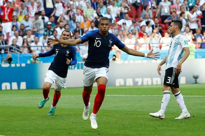 Uruguay dung ke hoach 'bat chet Ronaldo' ngan chan Mbappe anh 2
