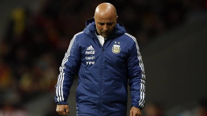 Tuyen Argentina hon loan: HLV Sampaoli khang lenh Lien doan hinh anh