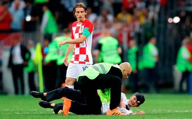 Nhom nhac Nga lam gian doan chung ket World Cup 2018 linh an tu hinh anh