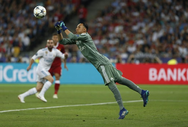 Thibaut Courtois khien cuoc chien thu mon o Real Madrid nong bong hinh anh 2