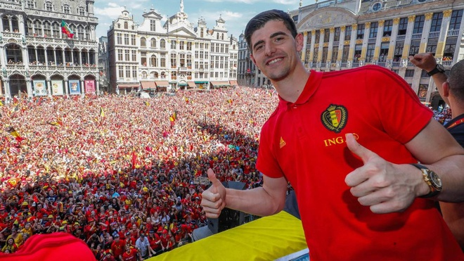 Thibaut Courtois khien cuoc chien thu mon o Real Madrid nong bong hinh anh 1