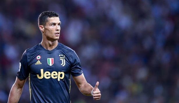 Juventus vs Sassuolo: 'Dai phao' Ronaldo thong nong? hinh anh