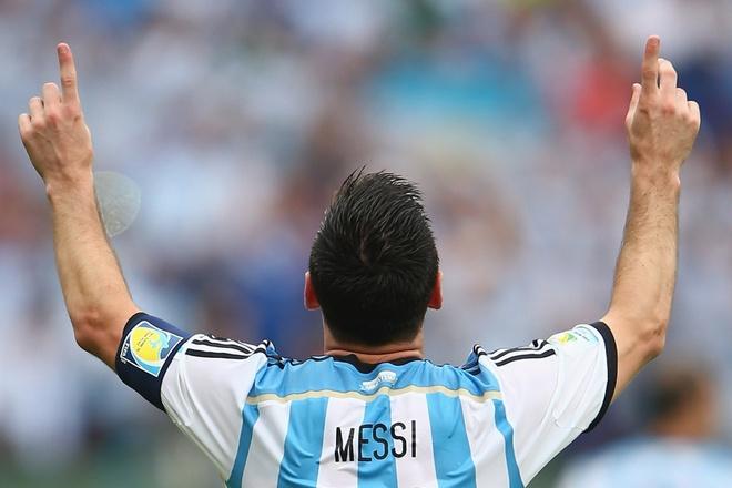 Messi va tuyen Argentina: Hay la treo mai ao so 10? hinh anh