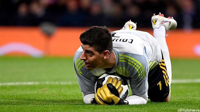 Cuoc chien giua hai thu mon sieu hang o Real Madrid hinh anh 2