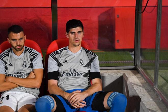 Cuoc chien giua hai thu mon sieu hang o Real Madrid hinh anh 3