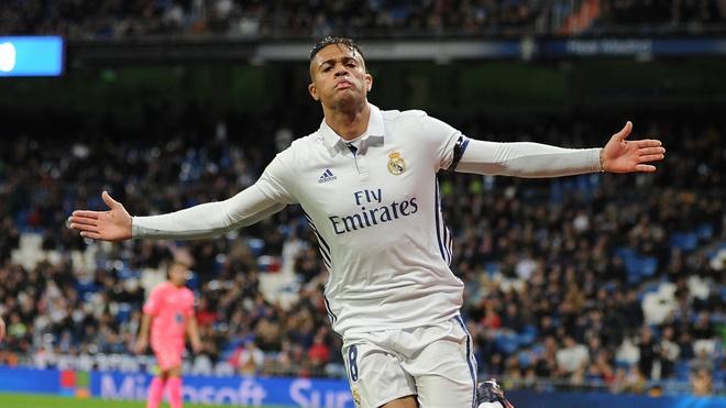 Real Madrid mat diem: Ao so 7 con do, nhung niem tin bien mat hinh anh