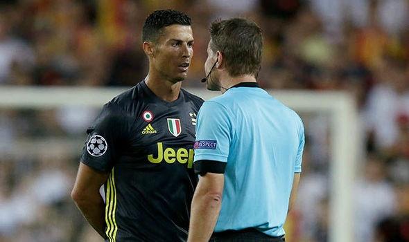 Sep Juventus xuong tan duong ham tim gap trong tai duoi Ronaldo hinh anh