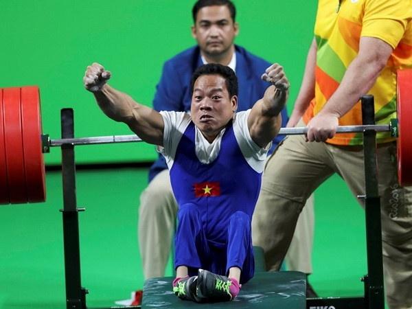 Do cu Le Van Cong chan thuong nang, lo Para Games 2018 hinh anh
