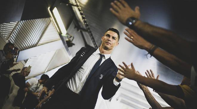 Hinh anh Ronaldo bi xoa khoi website cua tro FIFA 2019 hinh anh
