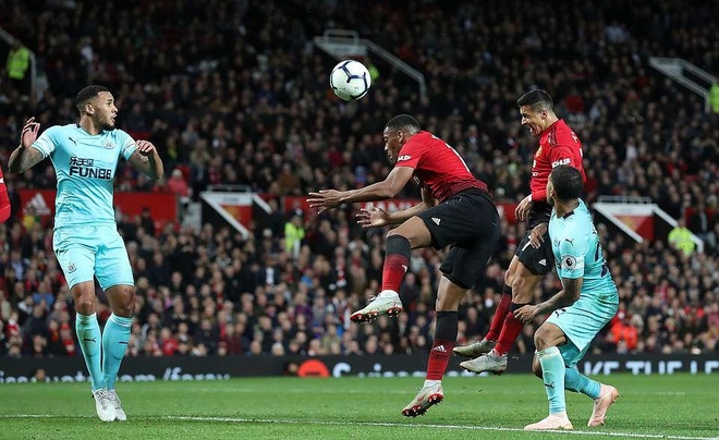 MU thang nghet tho: Vi Old Trafford khong phan boi Mourinho hinh anh 3
