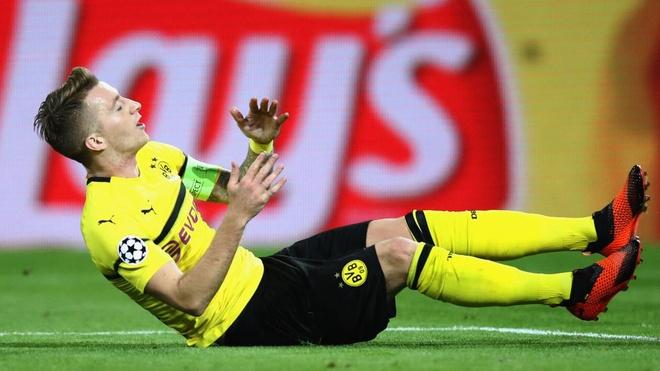 Marco Reus dang hay thi dut day dan hinh anh