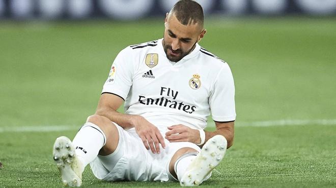 Hang cong tan nat, Real Madrid mang 'guom cun' dau Barca hinh anh 2