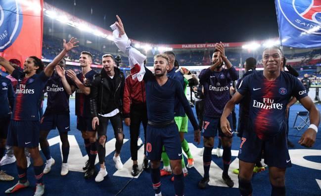 Neymar - Mbappe ket bang dang, tay chay Cavani hinh anh 3
