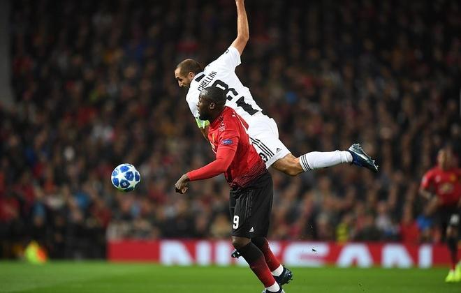 MU 0-1 Juventus: Cui dau truoc 'chien binh khong tuoi' Chiellini hinh anh 1