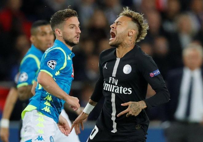 Napoli co co hoi lon 'hat cang' PSG khoi Champions League hinh anh
